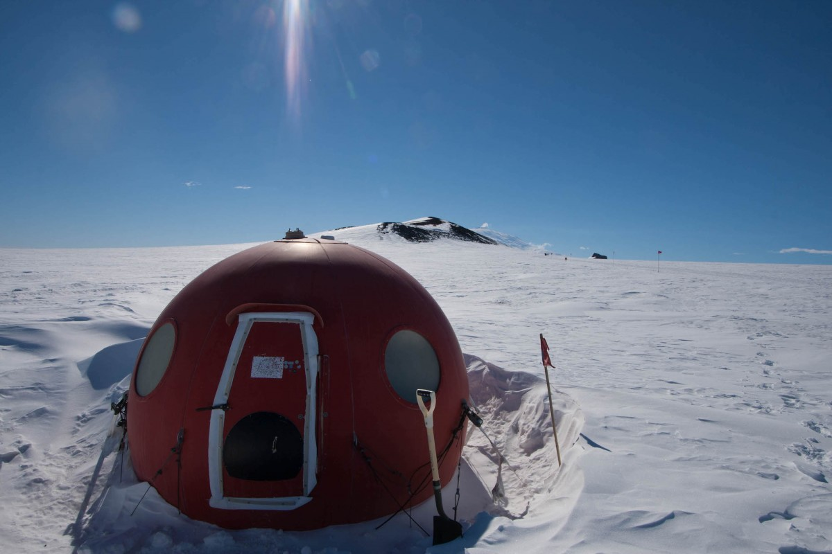 Warming Hut Apple